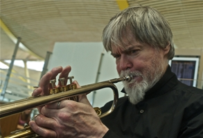 http://www.nationaltrumpetcomp.org/uploads/TomHarrell.jpg